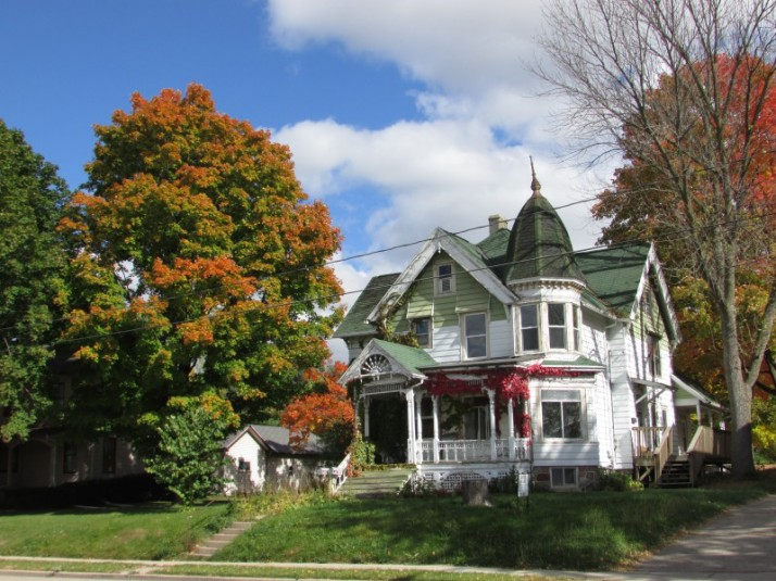 Historic House and trees in Jefferson
