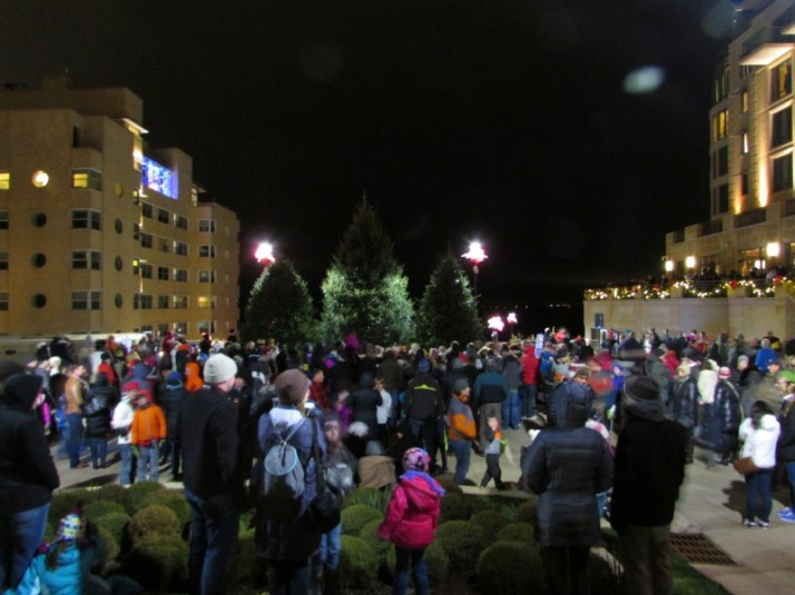 Crowd waits for Santa at Edgewater