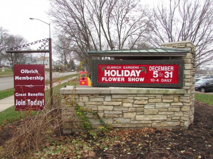 Olbrich Gardens Sign 12-2015