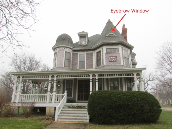 Courthouse Historic District house with Eyebrow window
