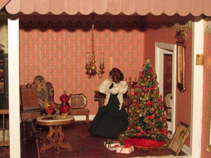 Dollhouse Christmas room IMG_9725