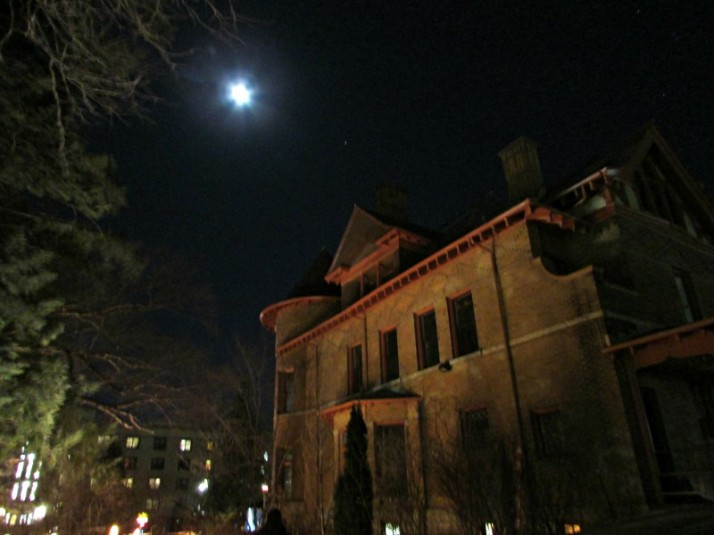 House and Moon at Luminious