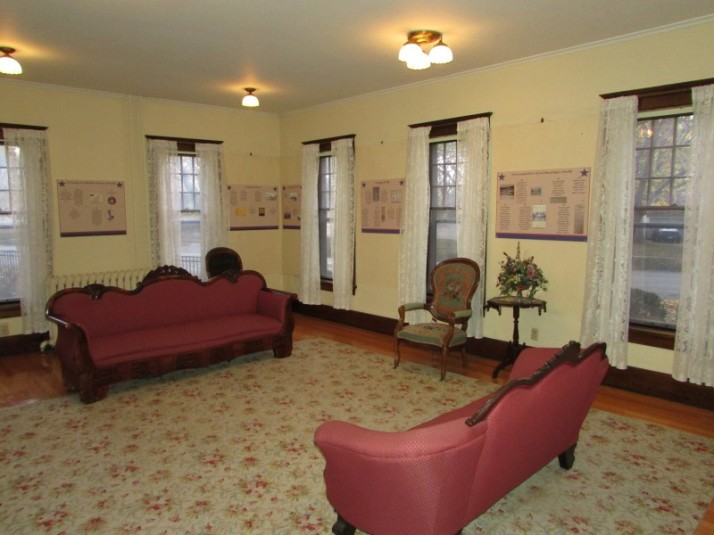 Hoard house parlor