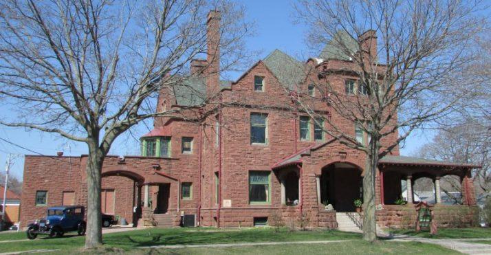 AL. Ringling Mansion in Baraboo