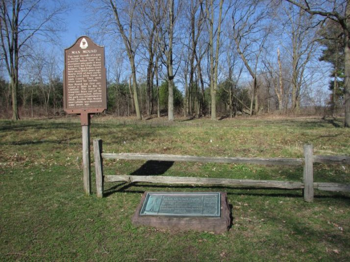 Man Mound and signs