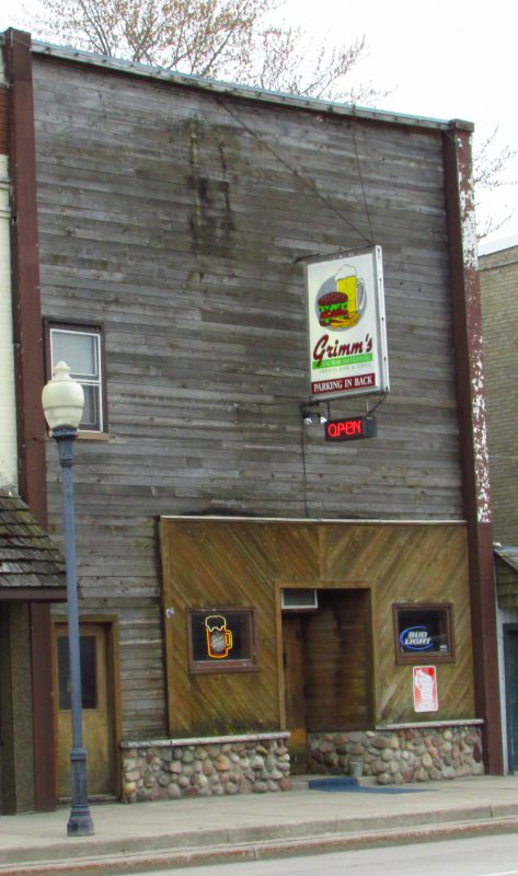 Grimm's Sport Bar and Grill