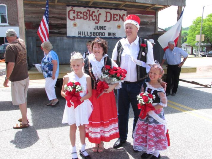 Cesky Den Royalty, L to R: Princess Sophia Munson, Queen & King, Kelli & Tom Dank, Princess Aubrey Schiller