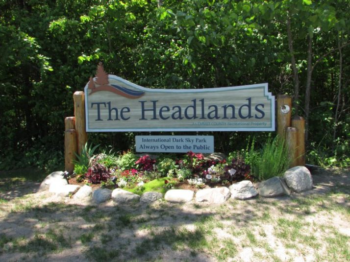 Headlands sign