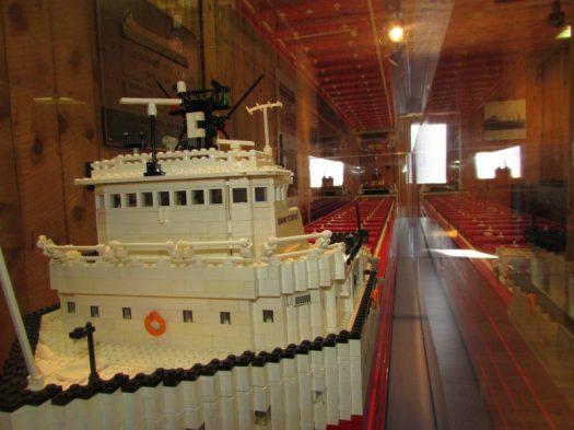 Lego edmund Fitzgerald bow