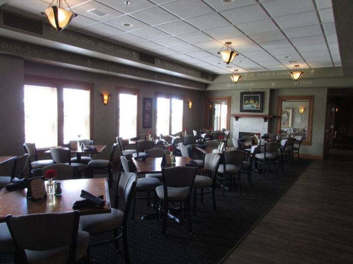 Chateau De Pere dining room