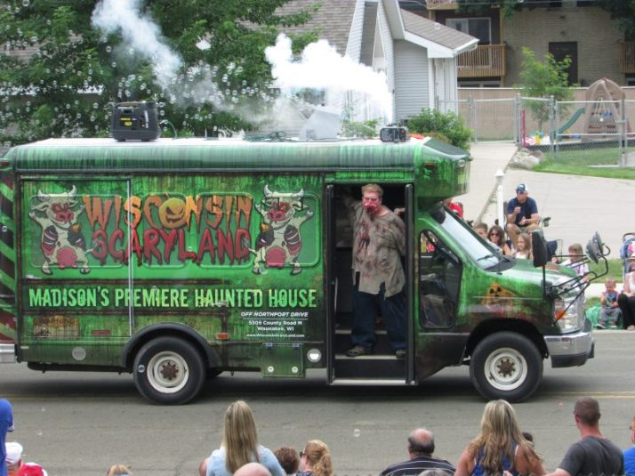 Wisconsin Scaryland Haunted House bus