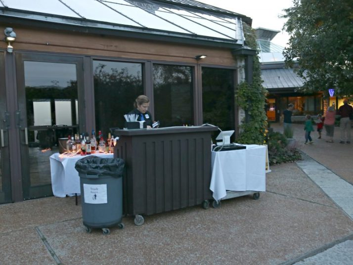 cash-bar-at-olbrich