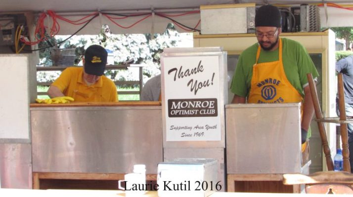 monroe-optimist-club-making-fried-cheese-curds