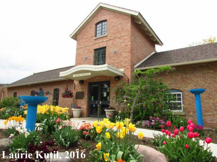 rotary-garden-building-wm