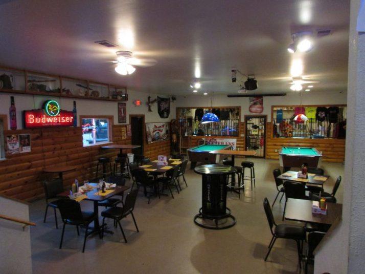 War Bonnet dining room