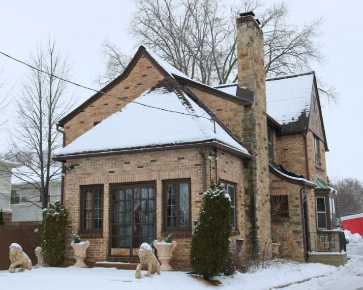 brick-house-behind-the-ultimate