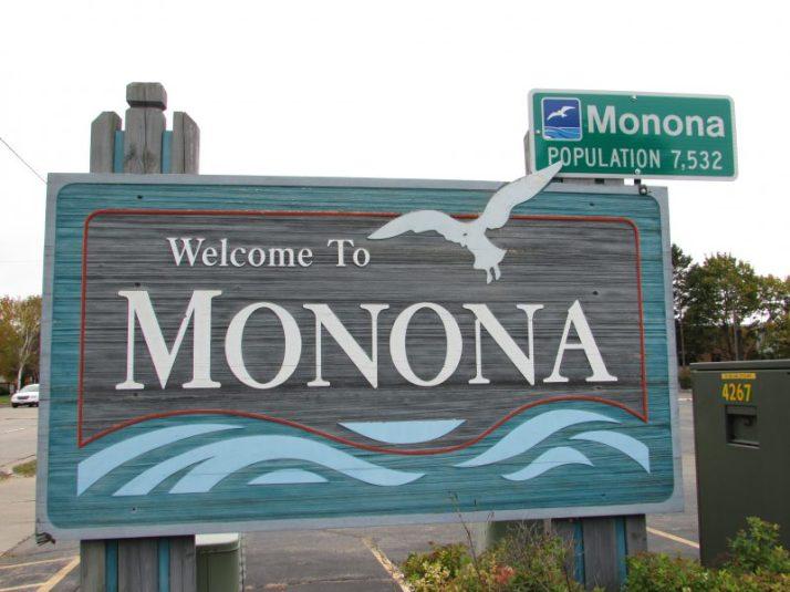 Monona sign